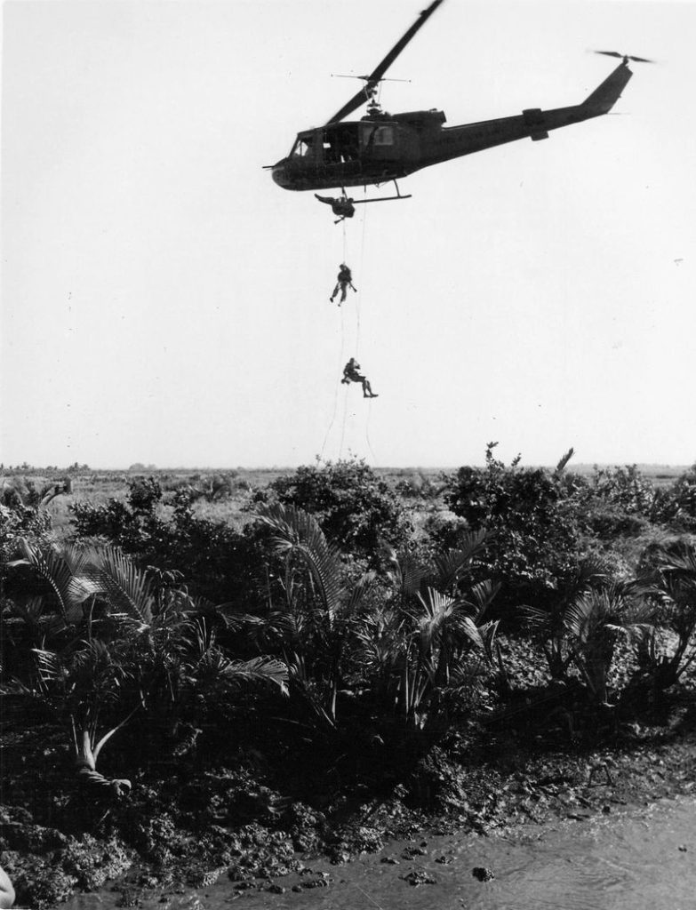 seals_abseiling_from_uh-1_huey_in_vietnam_1967